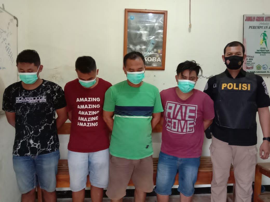 Asyik Pesta Sabu di Rumah, Tiga Pemuda Bawean Diringkus Polisi